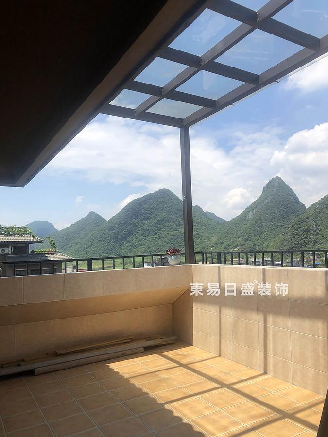 桂林悠山郡頂層復式樓180㎡現代北歐風格:露臺裝修設計實景圖