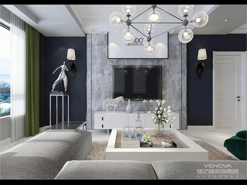 在家具上用高级灰进行低明饱和度的对比。在细节上进行巧妙地处理,增加了整体的丰富度。大大的落地窗将室外的景色映入室内,整体给人时尚又不失前卫的感觉。