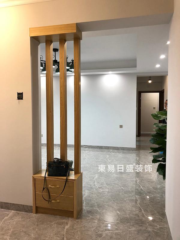 碧園印象桂林二居室100㎡現代風格:客廳入門裝修設計實景圖