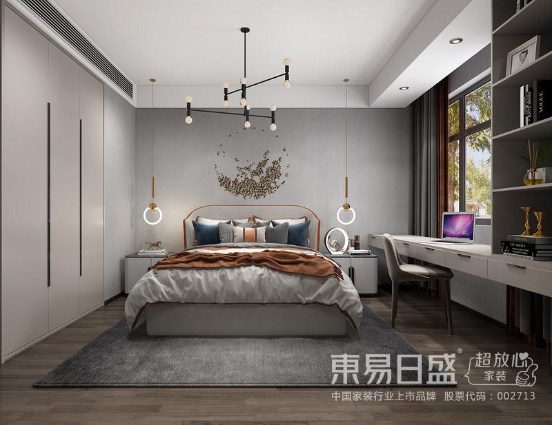 主卧采用了暖色调,简单的床头装饰和平整的衣柜门板更显女主人的生活态度,积极向上,干净利索。
