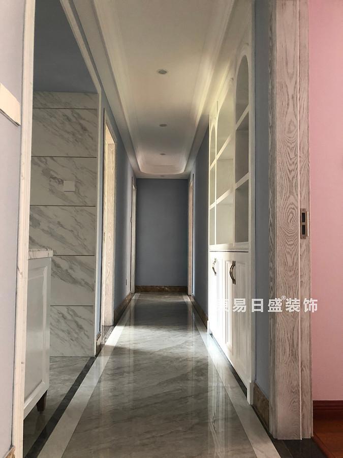 桂林彰泰•清华园四居室140㎡美式和欧式混搭风格:入门过道装修设计实景图