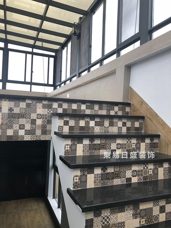 桂林安廈漓江大美頂層復式樓180㎡新中式風格:陽光房樓梯裝修設計實景圖