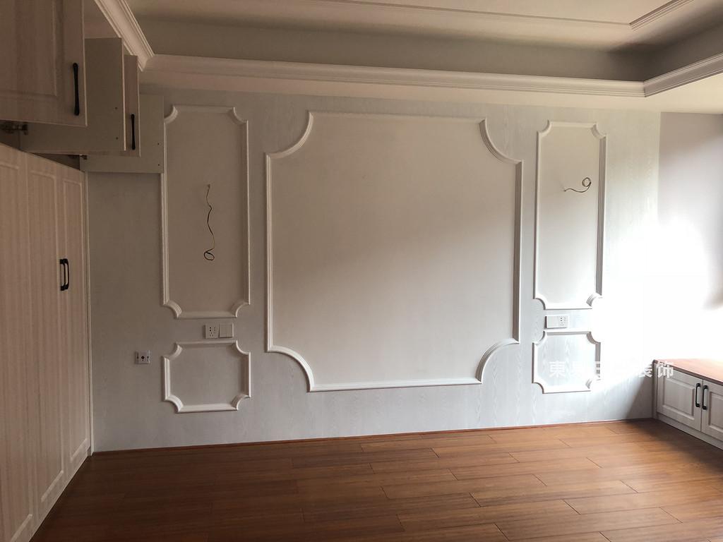 桂林彰泰?清華園四居室140㎡美式和歐式混搭風格:主臥室裝修設計實景圖