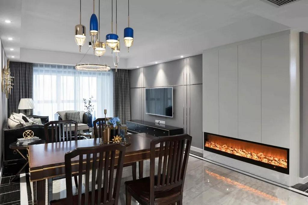 壁炉设计在整个美式家中也是一大亮点,轻奢优雅的小资情调氤氲而生。