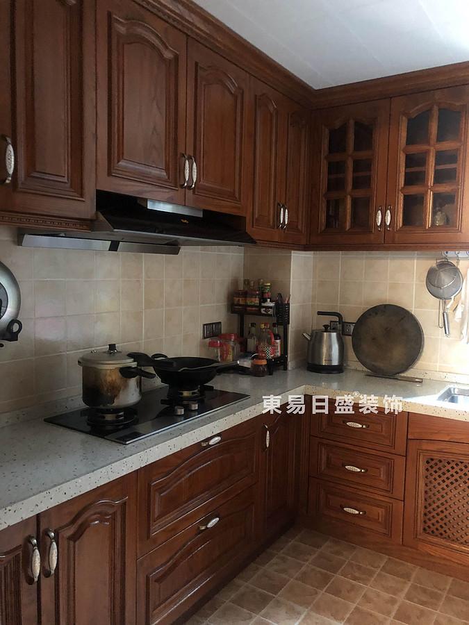 桂林興達?江山領秀底層復式樓260㎡中式風格:廚房裝修設計實景圖