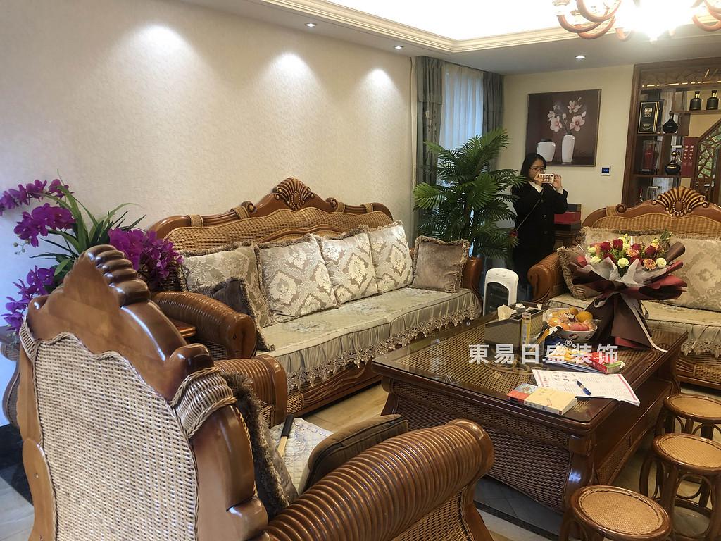 桂林兴达•江山领秀底层复式楼260㎡中式风格:客厅装修设计实景图