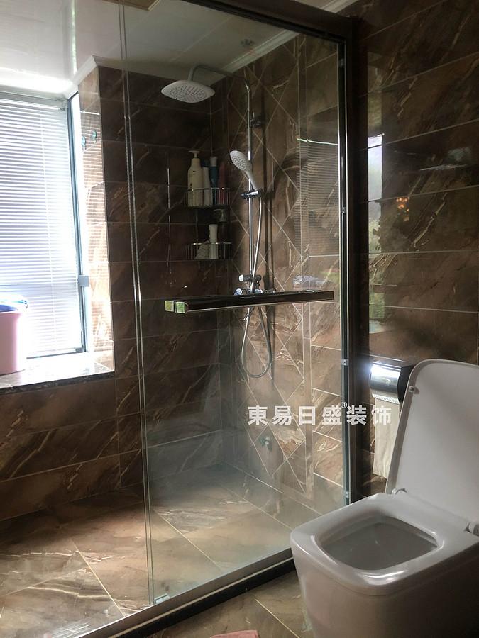 桂林兴达•江山领秀底层复式楼260㎡中式风格:卫生间装修设计实景图
