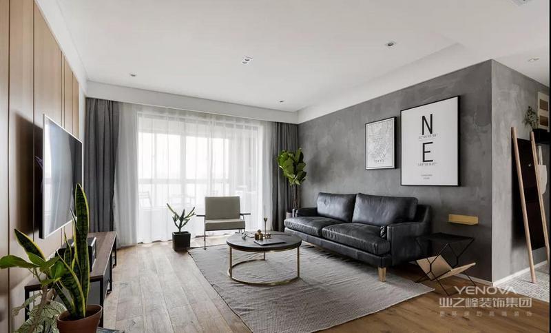 电视墙以木饰面打造,搭配铁艺电视柜,舒适又有质感。