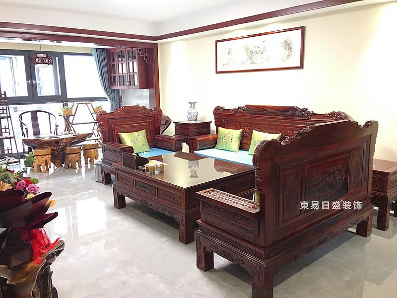 桂林兴进•漓江郡府三居室110㎡中式风格:客厅装修设计实景图