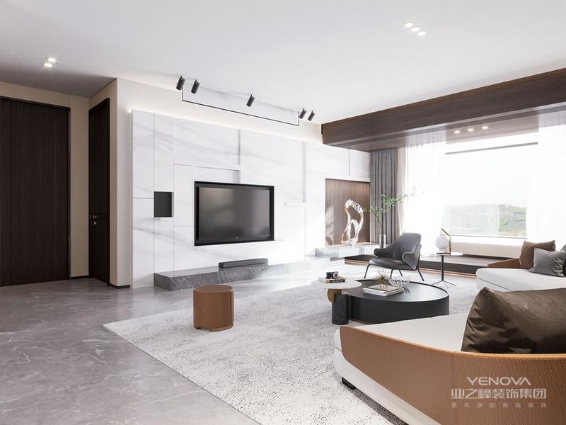 在这套250平米的现代风格的装修案例中,整体空间以极简与现代的格调,通过优雅质感的硬包、无主灯天花、灰色大理石地砖、石材等硬装基础,以简约舒适与时尚格调的软装布置设计,营造出一种极简高级的时尚与端庄。
