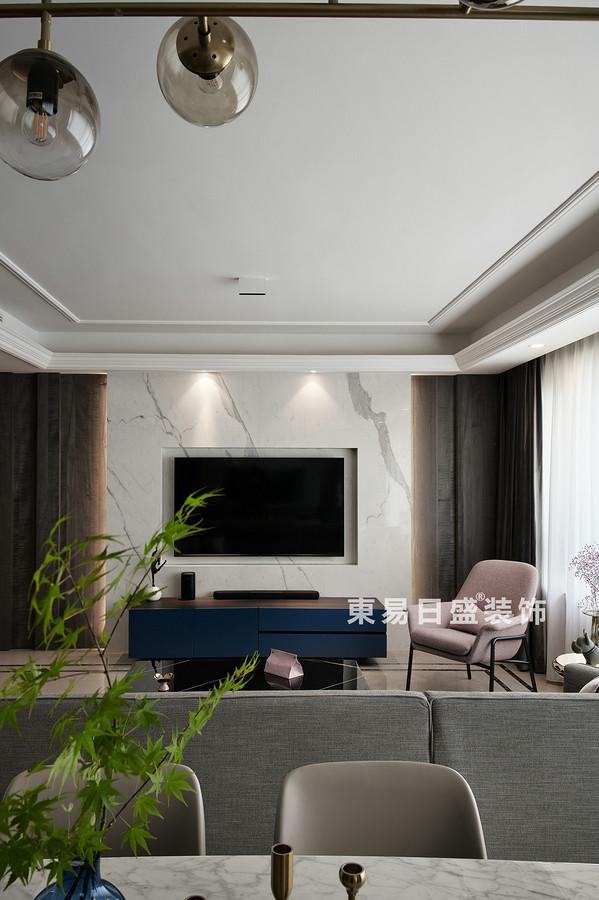 桂林萬達城三居室125㎡現代風格:客廳背景墻裝修設計效果圖