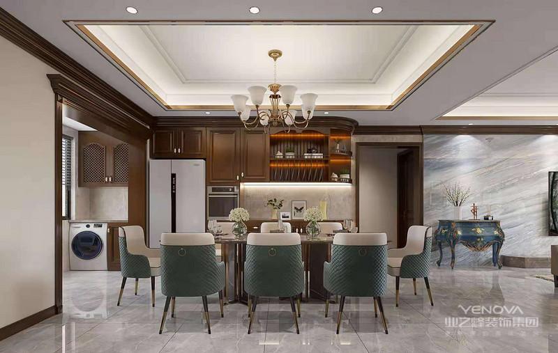 一般而言美式家具必须经过几个阶段的作业才能凸显美式风格