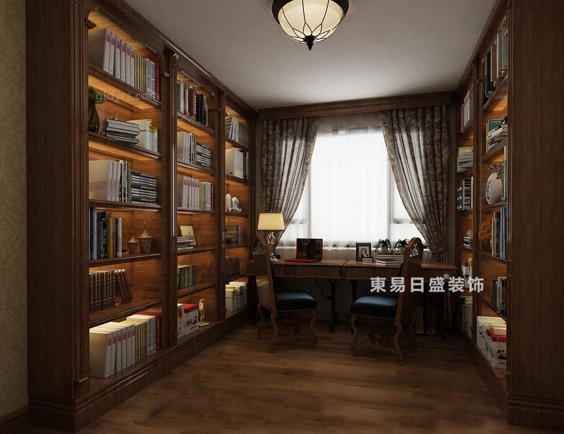 桂林冠泰•城国二居室145㎡简约风格:书房装修设计效果图,书房与空间的艺术格调相反,以美式胡桃木书柜来增加空间的书香气息,书柜对称摆放在空间,和谐之中,与木色的地板连成一片,给人一种宁静致远的感觉;美式桌椅搭配使得空间多了复古感,让人愿意沉下心来,好好读书。