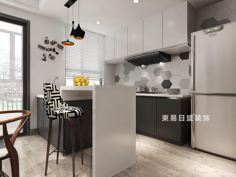 桂林冠泰•城国二居室145㎡简约风格:厨房装修设计效果图,因为生活需求不同,设计师并没有将厨房做大面积规划,而是以开放式格局为主,增加吧台与餐厅区分,做到了精小实用;橱柜用深灰和白色来搭配,加上灶台部分的六角砖,简单的色调,一下就提高了空间造型美;黑白线条高脚凳和黄铜铁艺吊灯点缀出前卫,更显不凡。