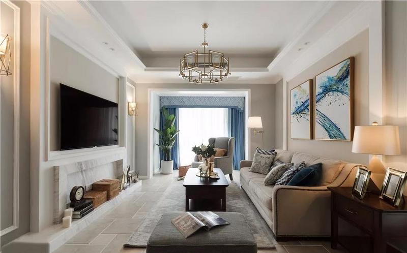 客厅,设计师根据家具的尺寸、材质、色调来挑选搭配软装,使得客厅的整体环境和谐统一,体现出美式家居的魅力。