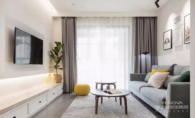 这是一套北欧风格的装修案例,设计师通过简约清新的颜色搭配,来打造出这样一个温馨而又实用,让人感觉非常耐看的家。希望这套装修案例能给准备装修的大家带来一些灵感。