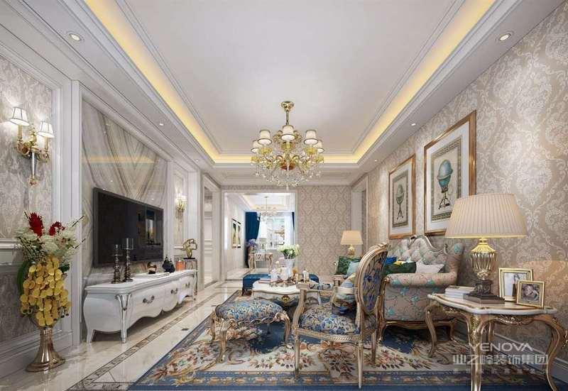 在客厅的装饰设计中,欧式客厅以其华丽的装饰、五彩缤纷的色彩和精致的室内装饰而深受人们的喜爱。欧式起居室注重营造华丽高贵的氛围