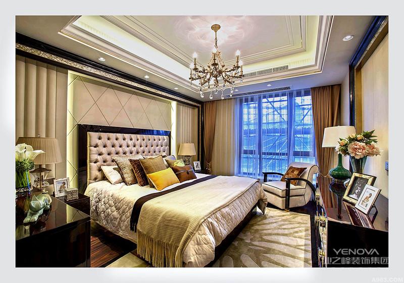 卧室以现代中式风格只是局部的采用中式风格处理,大体的设计比较简洁。