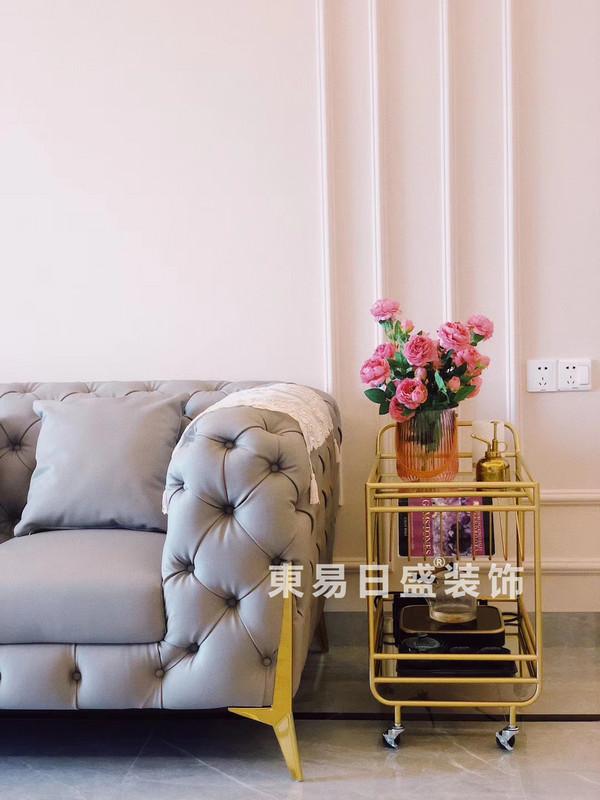 桂林玉柴•博望园两房两厅90㎡北欧风格:客厅沙发装修设计实景图