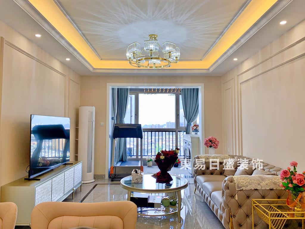 桂林玉柴•博望园两房两厅90㎡北欧风格:客厅装修设计实景图