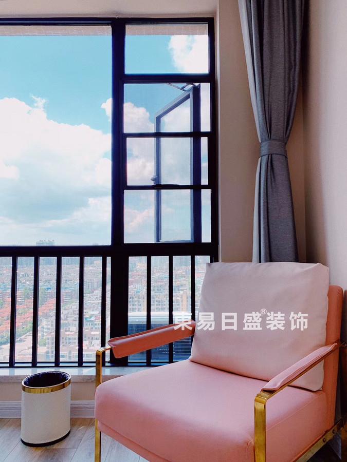 桂林玉柴•博望园两房两厅90㎡北欧风格:阳台装修设计实景图
