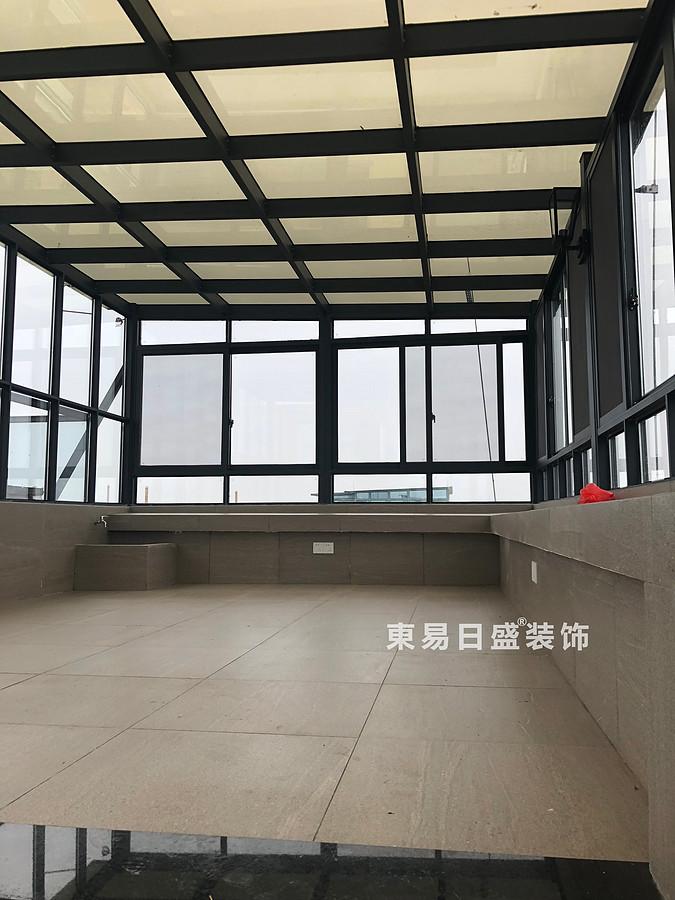 桂林安廈漓江大美頂層復式樓180㎡新中式風格:大露臺裝修設計實景圖