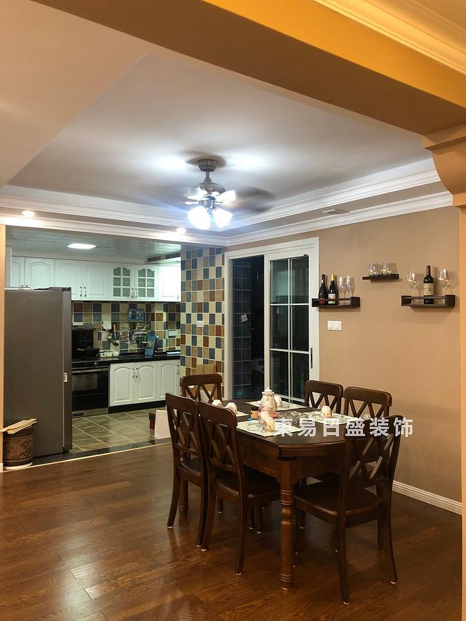 桂林彰泰?花千樹四居室140㎡美式風格:廚房餐廳裝修設計實景圖