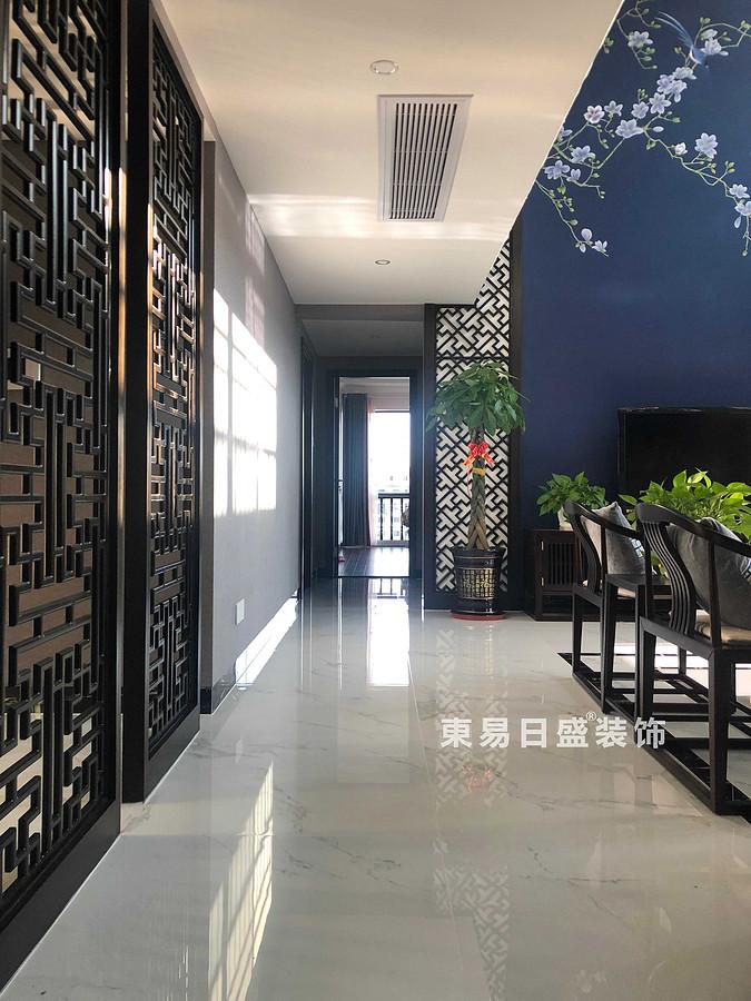桂林安廈漓江大美頂層復式樓180㎡新中式風格:客廳過道裝修設計實景圖