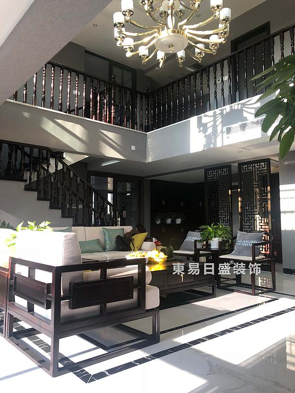 桂林安厦漓江大美顶层复式楼180㎡新中式风格:客厅装修设计实景图