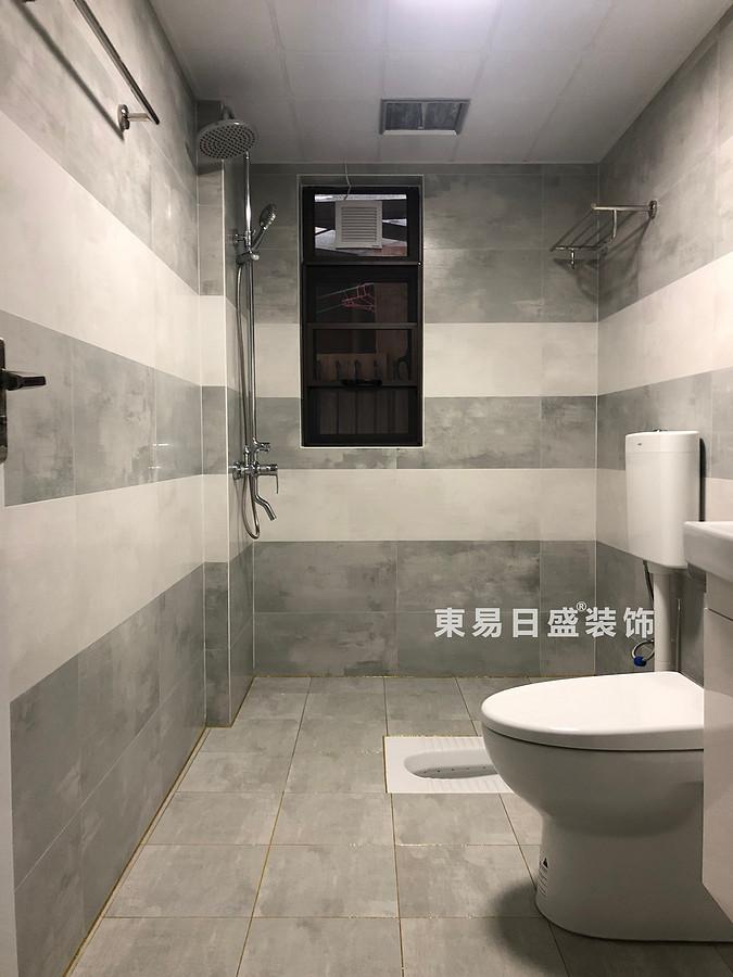 桂林彰泰?天街四居室180㎡輕美式風格:衛生間裝修設計實景圖