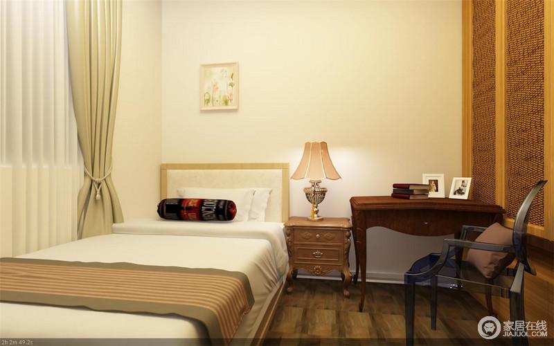 卧室以白色为主,搭配原木材质的家具,却因为暖光的设计,让空间显得和暖了不少,让生活很是温馨。