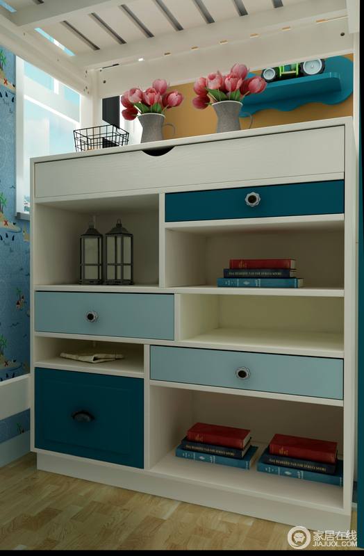 书桌的后面设计成了多功能的储物柜,受体和开放格的设计让空间变得跟家具有趣味性。