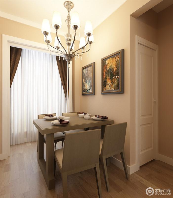 空间虽然面积狭小,但是分区的设计让功能更为分明,也给生活带来极大地便利;空间的米色系搭配家具的深褐色,层次之间,让生活多一份得体。