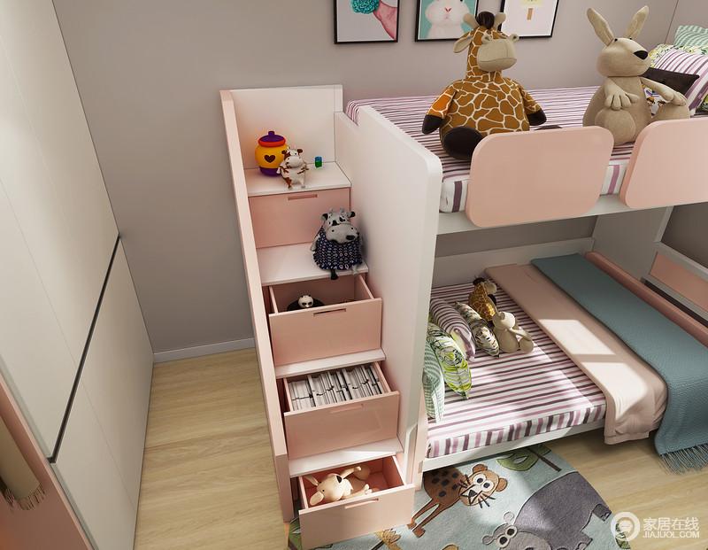 考虑到孩子还小所以没有采用传统的爬梯,而是采用的是梯柜设计,这样有扶手的梯柜在保证了安全性的同时还增加了储物。
