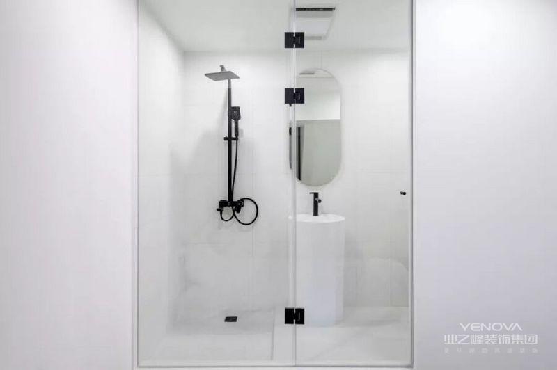 二层共有两个卧室,并且每间都有独立卫生间,让日常生活更方便。