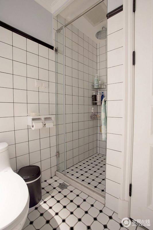 小白砖填黑缝,带来简约时尚的格调,也让干湿分离的卫生间更显干净整洁。