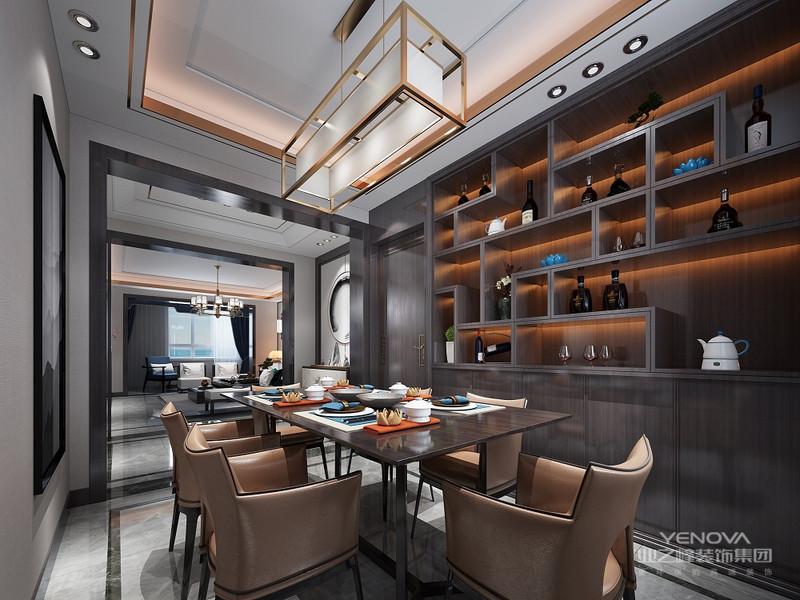 大理石材质的餐桌带有精致的花纹,皮质餐椅,搭配墙面古典风壁画,充分结合业主的喜好,用人文关怀的态度来诠释居住者修身养性的生活状态。