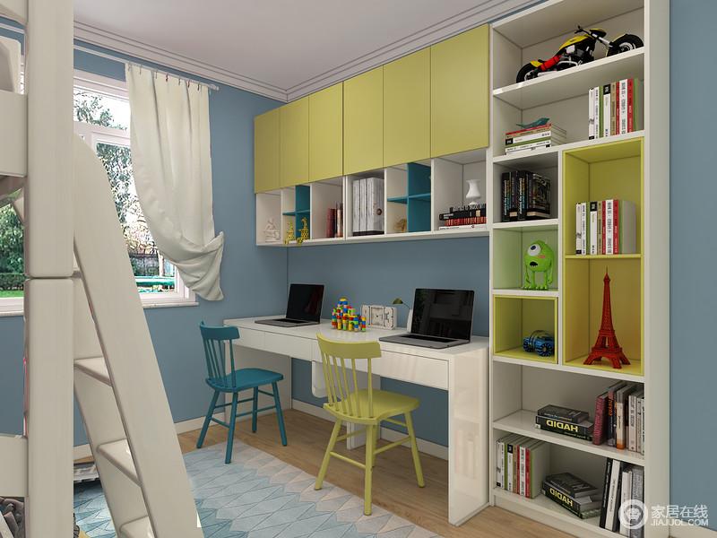 书桌侧光摆放,读书、写作更舒适,长条形书桌设计能同时满足两个孩子学习、娱乐功能。组合书架最大化满足收纳功能,空间整体统一。
