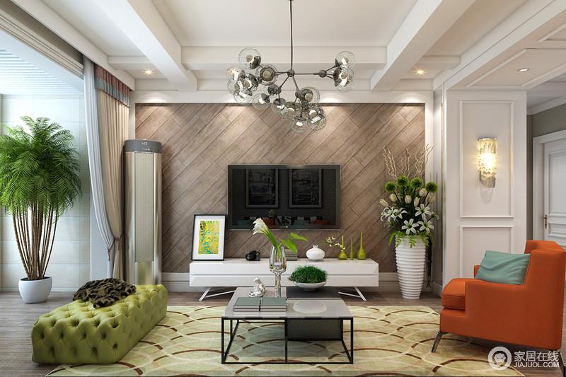 电视墙局部与沙发墙形成延续呼应,保持空间里的整体视觉感受;木质斜纹背景墙,以温和的色调与白色的护墙板搭配,质感朴质素雅,在自然花植的点缀下,与空间时尚格调碰撞,制造出舒适随性意蕴。