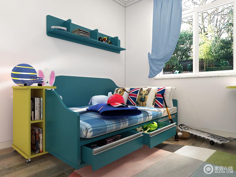 满足日常使用外,解放地面空间,丰富兴趣生活空间。床箱抽屉的设计,让小主人和床边的杂物说拜拜!也可以储物日记或者各种睡前用品,睡前将它们取出。墙上开放格将一些杂乱的小东西统统收容好。