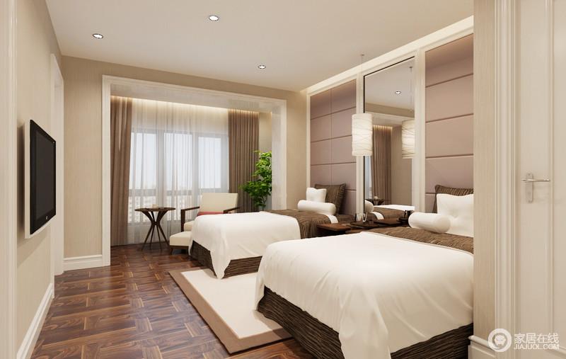 卧室地面采用木地板,让人踩上去也更为踏实,搭配原本驼色漆粉刷的墙面,沉稳而不失和暖,再加上白色脚线和门框结构的设计,更为规整;褐色窗帘搭配纱幔,让你坐在木椅上,享受惬意的休闲时光,而休息区两个床榻,让睡眠也更有质量。