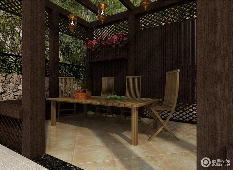 露台区通过木质、原始砖石结构搭建出园林庭院,深褐色胡桃木背景与淡黄柚木餐桌椅形成色调上区分,顶梁木上悬挂网状沙漏灯,空间在绿植的掩映下,充满了自然悠闲情调。