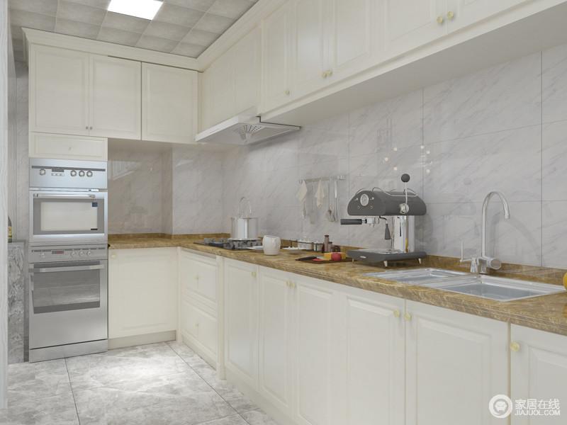 厨房以乳白色为主,简单的线条装饰出不一样的品味,清爽开阔,简约而不简单。
