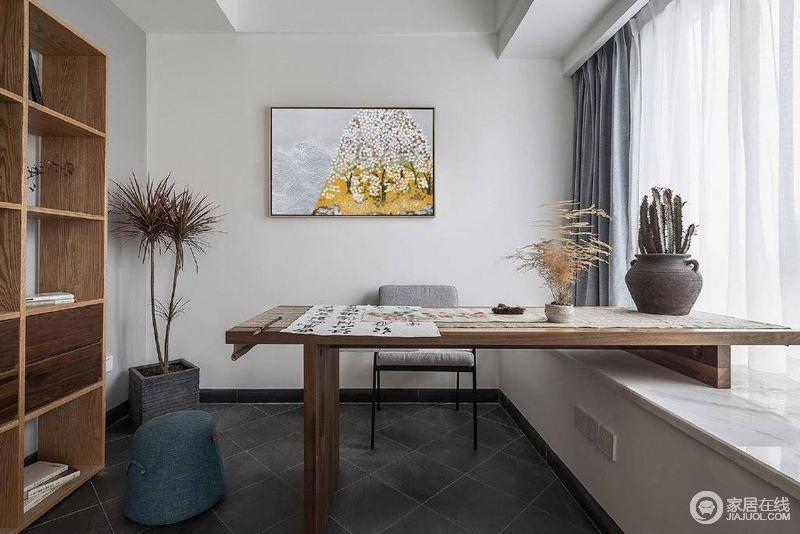 北欧风格色彩搭配之所以令人印象深刻,是因为它总能获得令人视觉舒服的效果;不用纯色而多使用中性色进行柔和过渡,与原木家具构成空间的淡雅与温馨。
