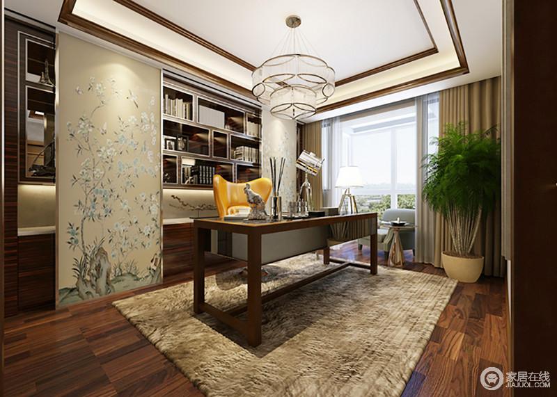 书房樱桃木色的家具提升整个空间的文化气息,书柜的几何格让收纳更为分明,搭配驼色的中式写意图柜面,裹挟着中式素雅;水晶灯的璀璨缓解了木条吊顶的中规中矩,搭配书柜和橘黄色单椅让地毯的沉闷之色,不影响空间的文艺质感。