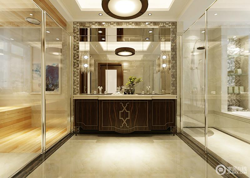 卫生间颜色明朗,米色砖石铺贴更为利落,再加上玻璃门将区域作了分离,更为规整和通透;淋浴和浴缸区放在一起,中央处的盥洗柜以褐色来划分空间层次,搭配大面积镜饰,更为明亮。