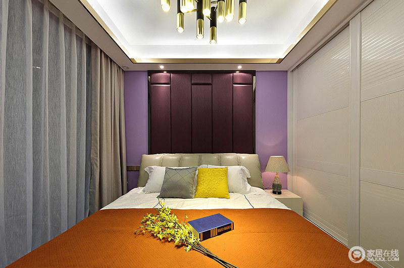 主卧室色彩比较鲜明,颜色多样,色彩间制造出了丰富的层次。