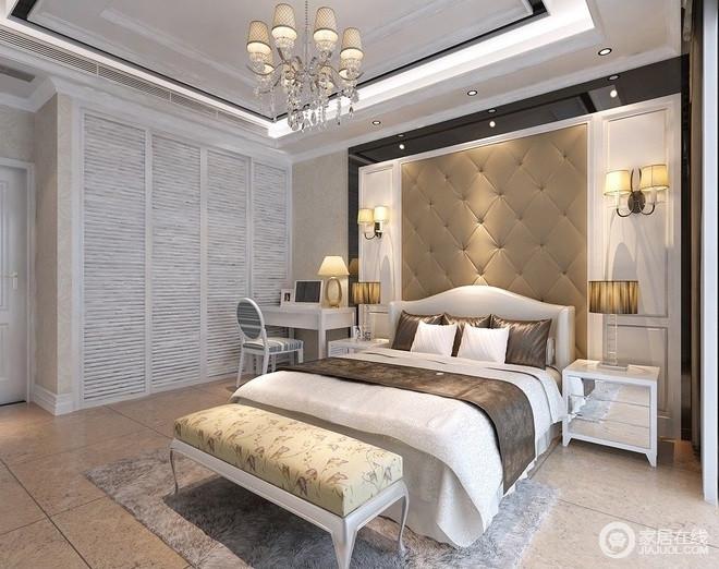 卧室作为主人的私密空间,主要以功能实用和舒适为考虑重点,床头背景墙了采用软包,使整个居室看起来典雅舒适。
