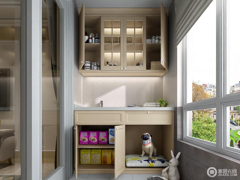 作为宠物自己的独立空间,不但具备舒适的睡眠区,还具备了方便独立的清洗区,用来清洗宠物的物品。地柜不仅为宠物提供了休息睡眠的地方,还能收纳大量的宠物用品及食物。