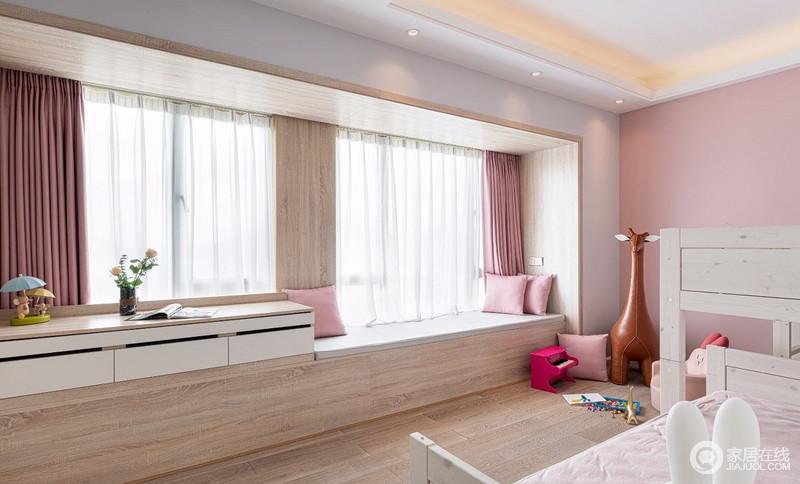 两个女儿的公主房,配色以柔柔的轻轻的颜色为主,粉色与灰色清爽柔和,十分安适,再加上飘窗的设计,既收纳又可解决玩耍的区域,十分贴心。